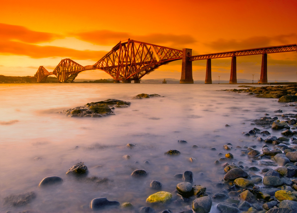 This image has an empty alt attribute; its file name is Forthrailbridgefromsouthqueensferry.jpg